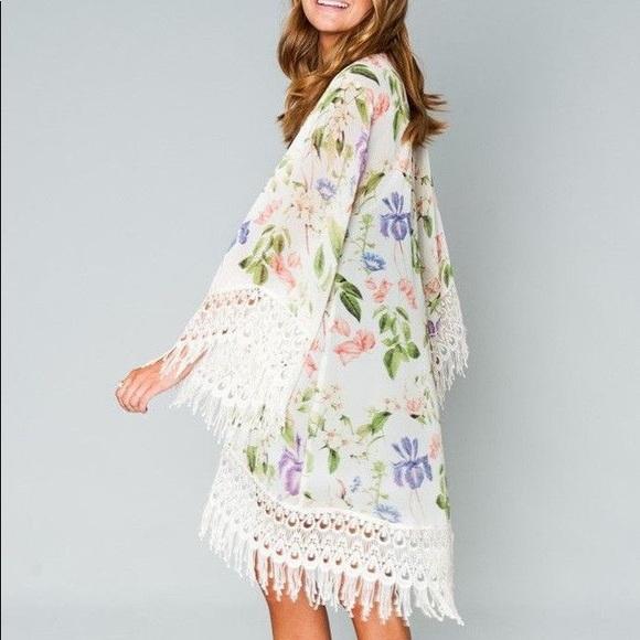 Show Me Your MuMu Sweaters - SHOW ME YOUR MUMU METZLER KIMONO - Flower Press -M